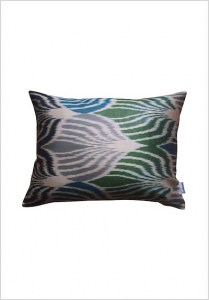 silk-ikat-cushion-s157