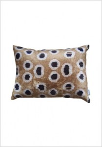 silk-velvet-cushion-v121