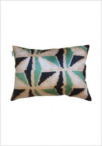 silk-velvet-cushion-v215